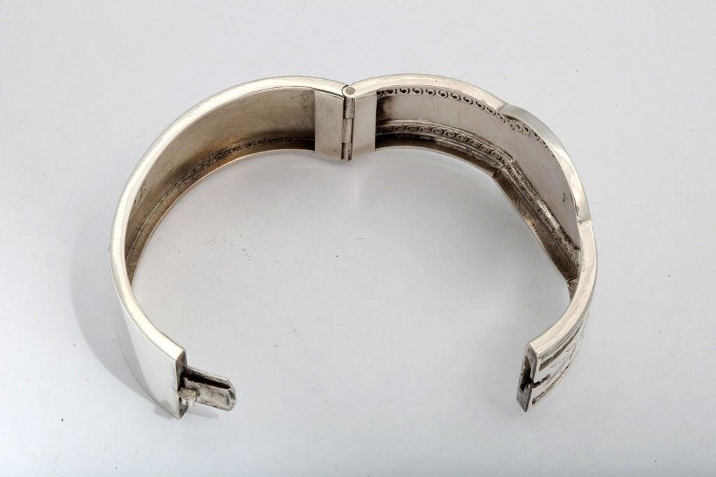 Unusual Victorian Sterling Silver Etched Bangle Bracelet image 4