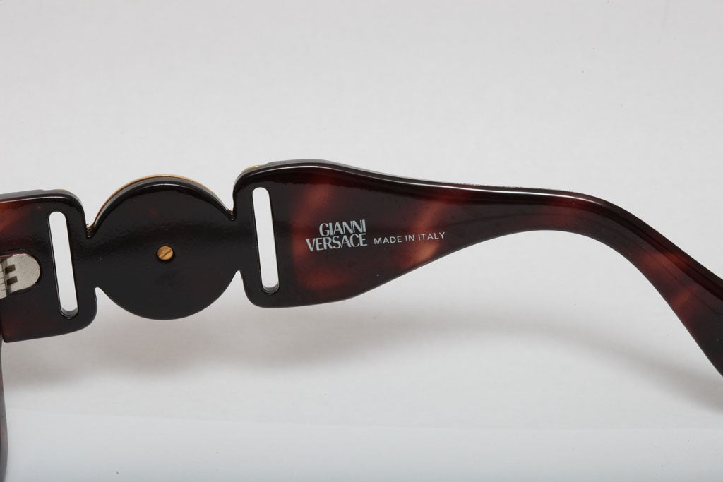 abab31bac00cd Women s or Men s Vintage Gianni Versace Mod 413 A Brown Sunglasses For Sale