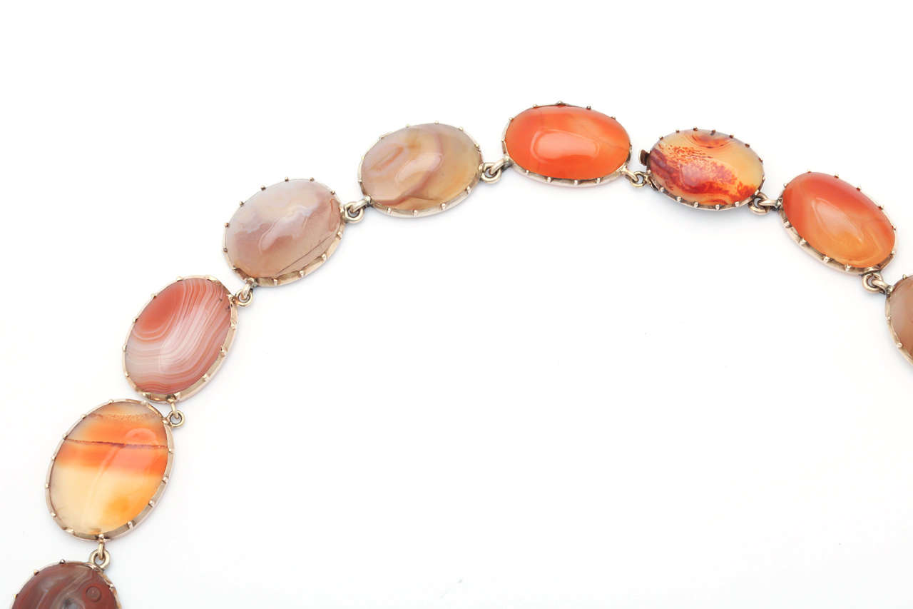 Sunrise-Sunset Color in a Victorian Natural Agate Necklace and Earrings For Sale 2