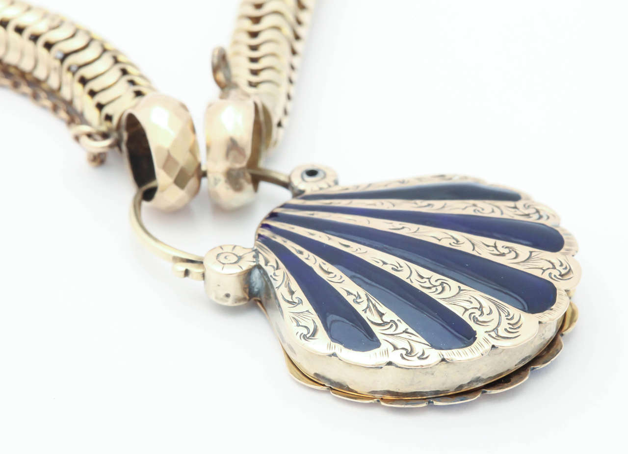Victorian Snake Chain with a Scallop Shell Locket 7