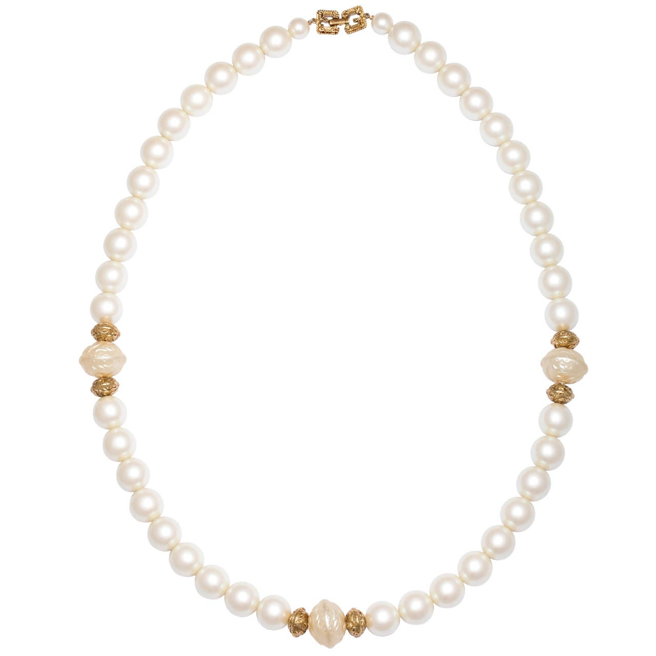 Chanel style Large Faux Pearl Necklace