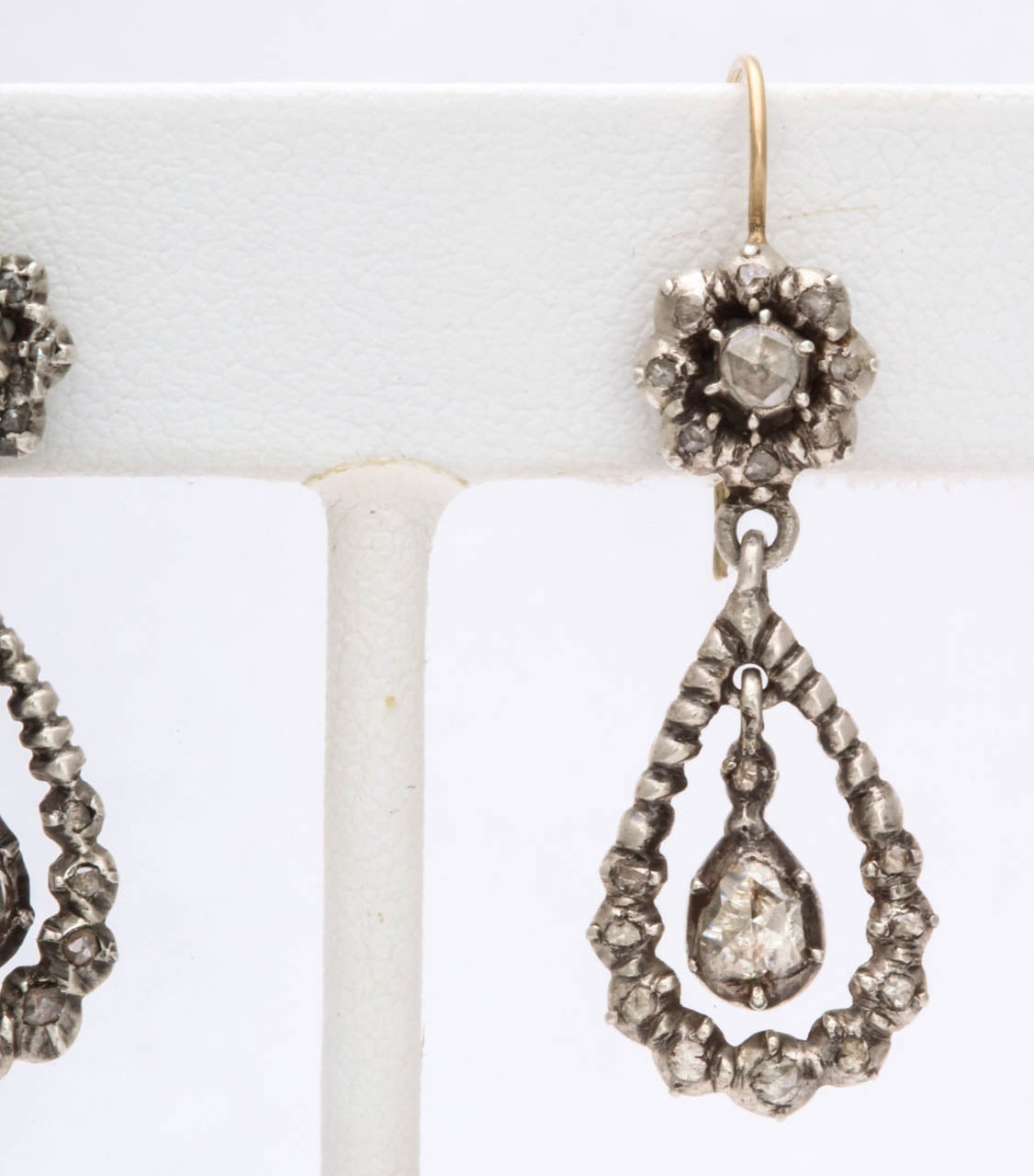 Antique Georgian Diamond Silver Gold Dangle Earrings In Excellent Condition For Sale In Stamford, CT