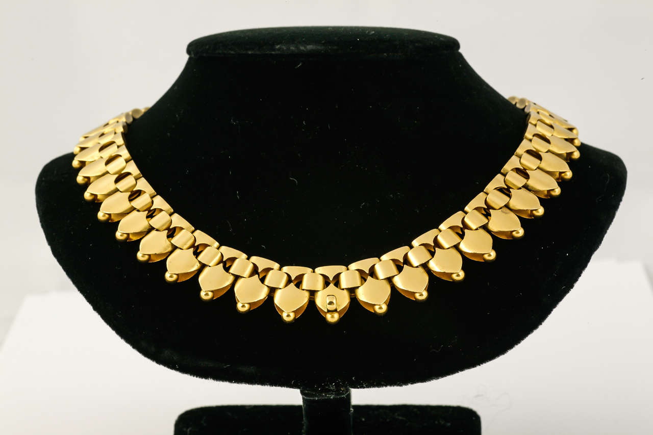 Women's Victorian Gold Necklet For Sale