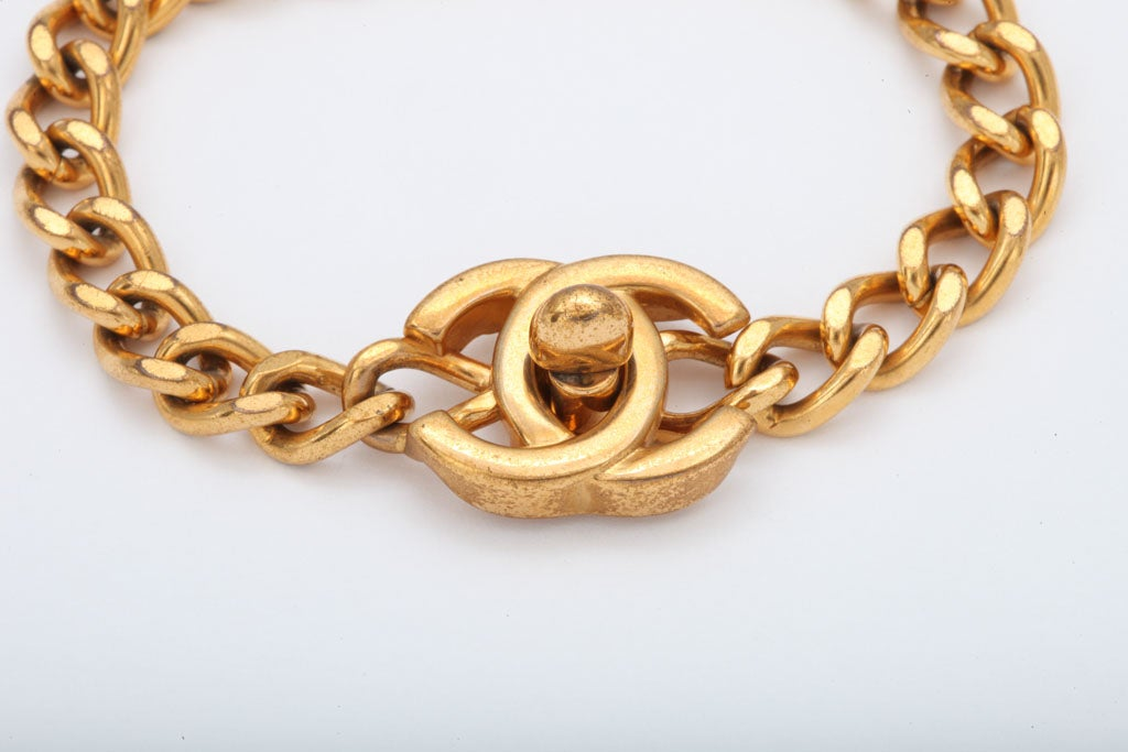 CHANEL CC LOGO CLOSURE BRACELET 3