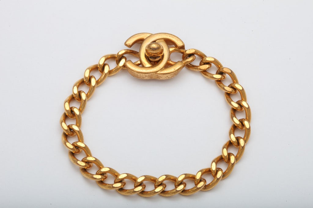 CHANEL CC LOGO CLOSURE BRACELET 2
