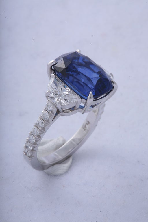 Cushion Cut Magnificent Sapphire and Diamond Ring For Sale