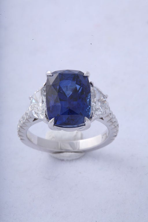 Magnificent Sapphire and Diamond Ring 2