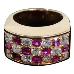 Stunning Gold Ruby and Diamond Ring