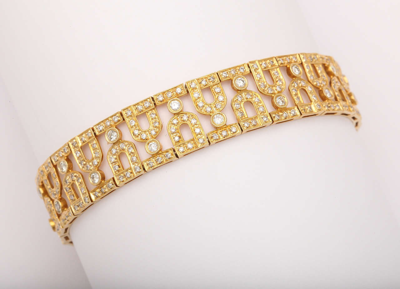 Pave Diamond Gold Bracelet With Repeated Design In Excellent Condition For New York