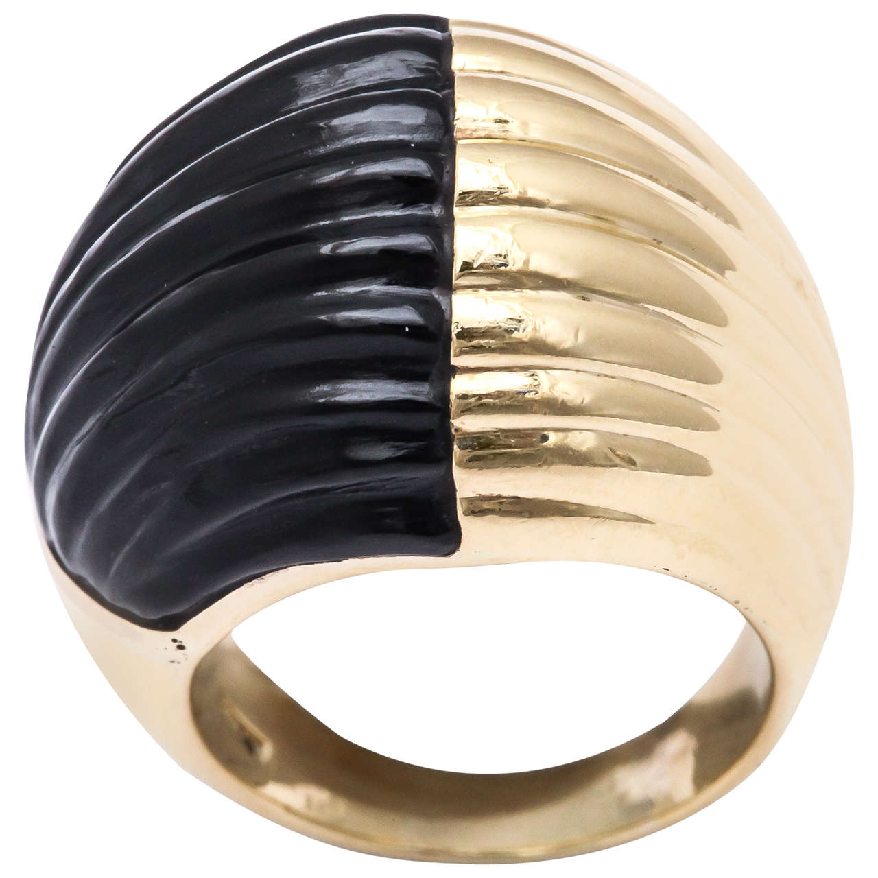Bold Onyx Gold Ribbed Ring