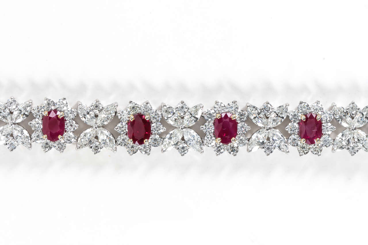 Fine Burma Ruby Diamond Bracelet In Excellent Condition For Sale In New York, NY