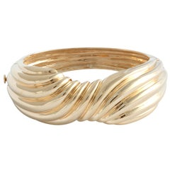 20th Century Wide Yellow Gold Ribbed Bow Bangle Bracelet