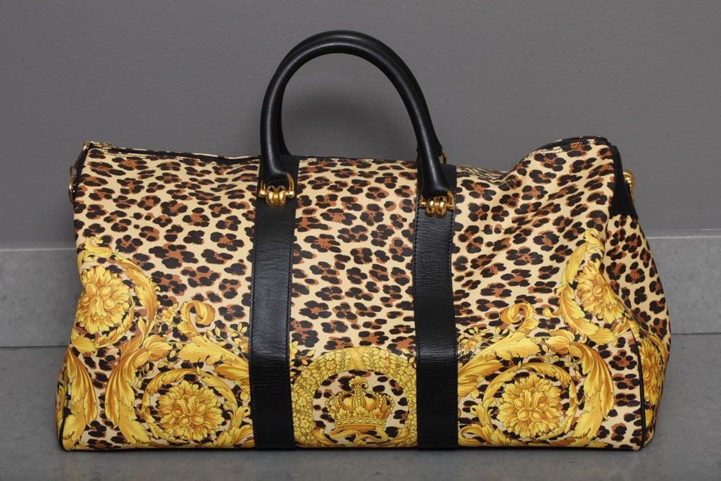 Beige Gianni Versace Baroque Print Duffle Bag For Sale b8c2d2a8f9ff8
