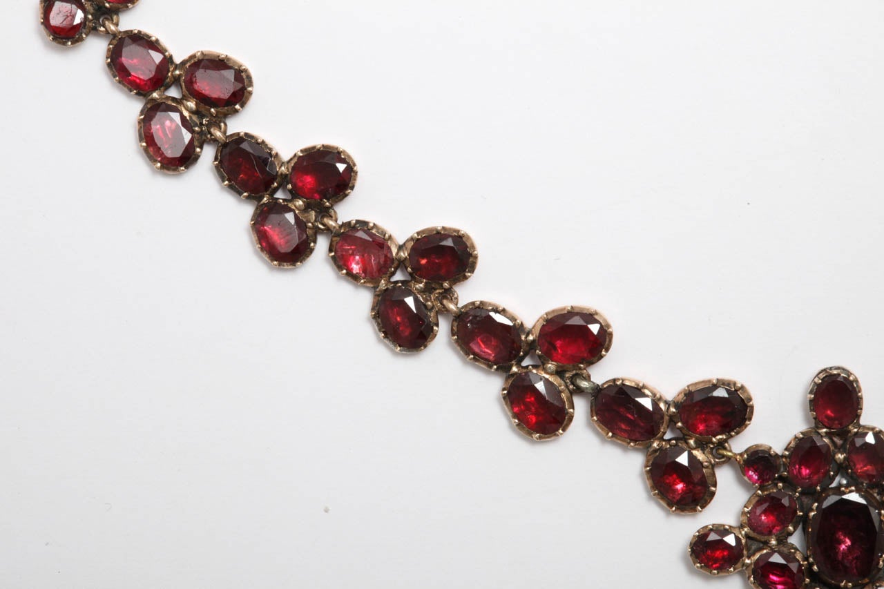 Women's Brilliant Georgian Garnet Necklace, circa 1820 For Sale