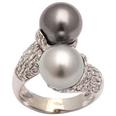 Cross Over Pearl Diamond Gold Ring