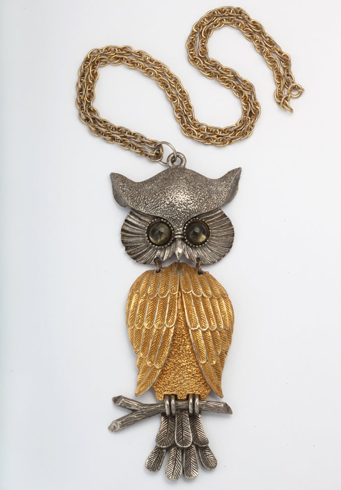 Large Silvertone and Goldtone Owl Pendant Necklace In Excellent Condition For Sale In Stamford, CT