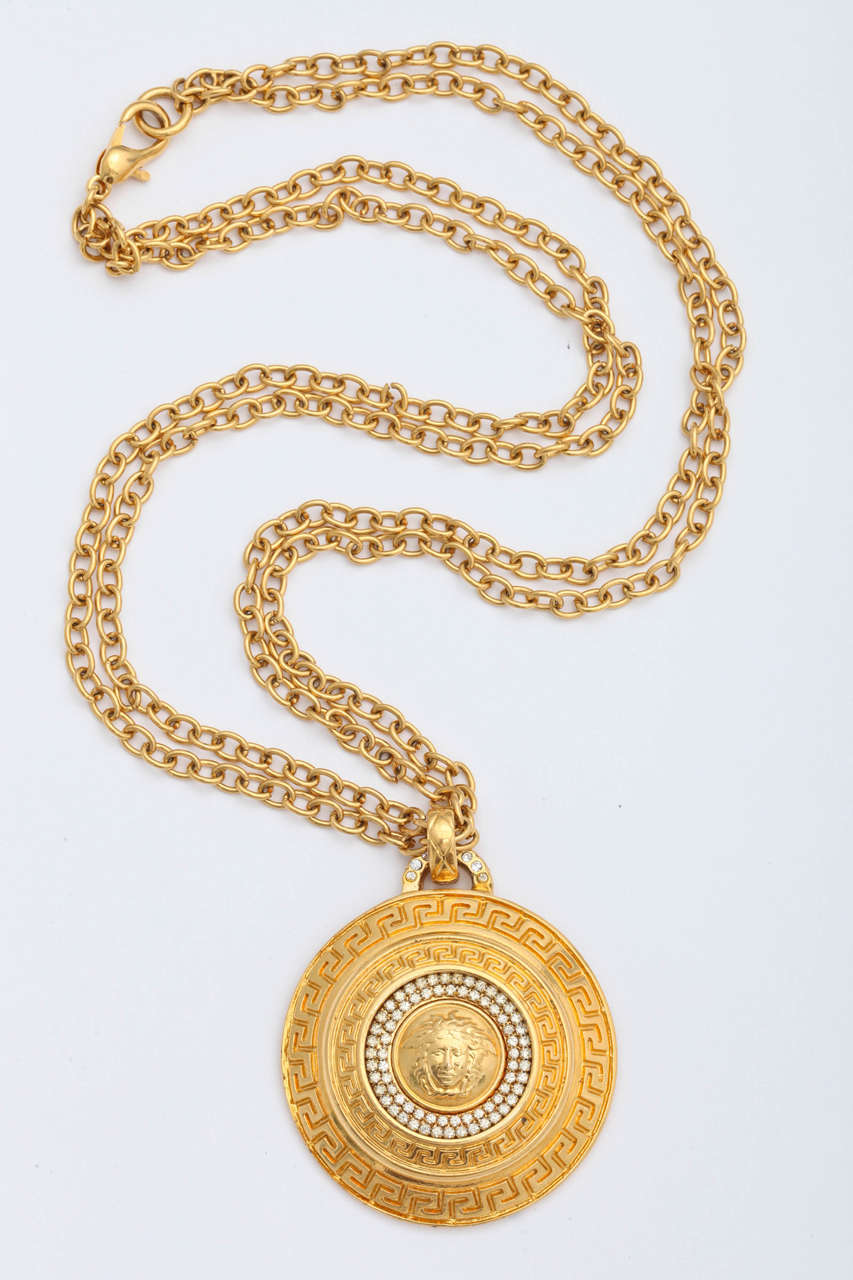 gianni versace large medallion pendant necklace with
