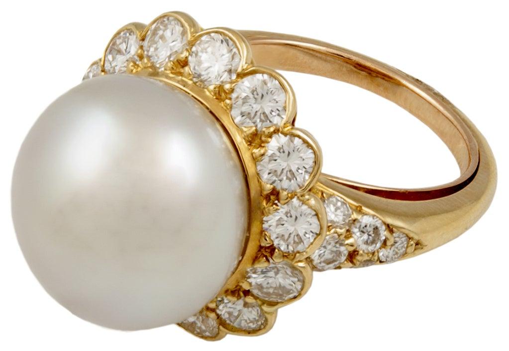 Van Cleef & Arpels Pearl Diamond Ring 2