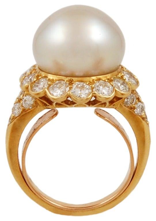 Van Cleef & Arpels Pearl Diamond Ring 3