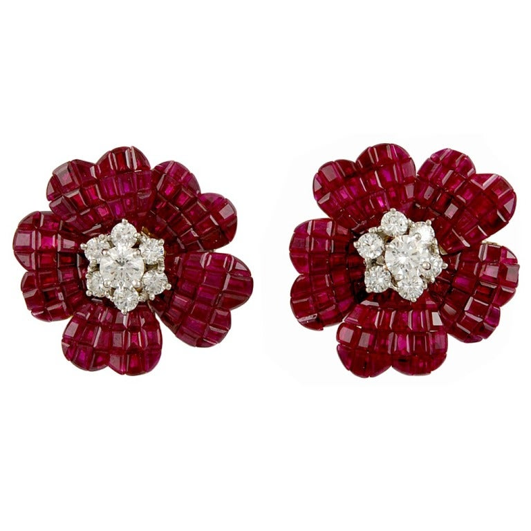 van cleef and arpels diamond and mysteryset ruby flower