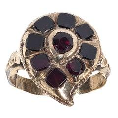 A Georgian gold, garnet cluster ring