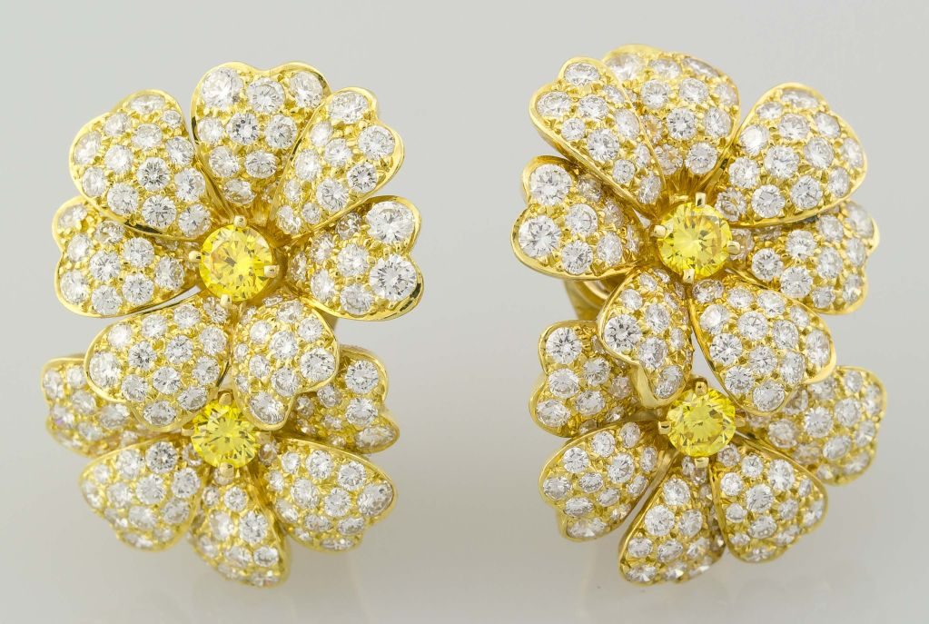 Van cleef and arpels 18k gold yellow diamond flower earrings at 1stdibs stunning 18k yellow gold set white and yellow diamond double flower earrings by van cleef mightylinksfo
