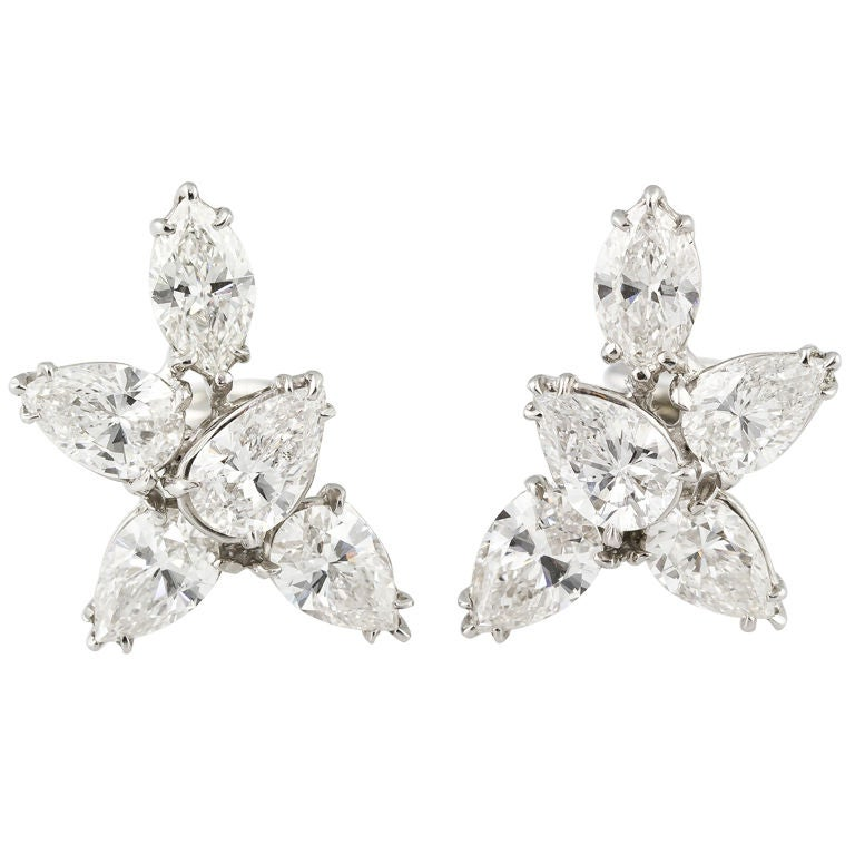 29505ec8ecbe9 HARRY WINSTON Platinum Diamond Cluster Earrings