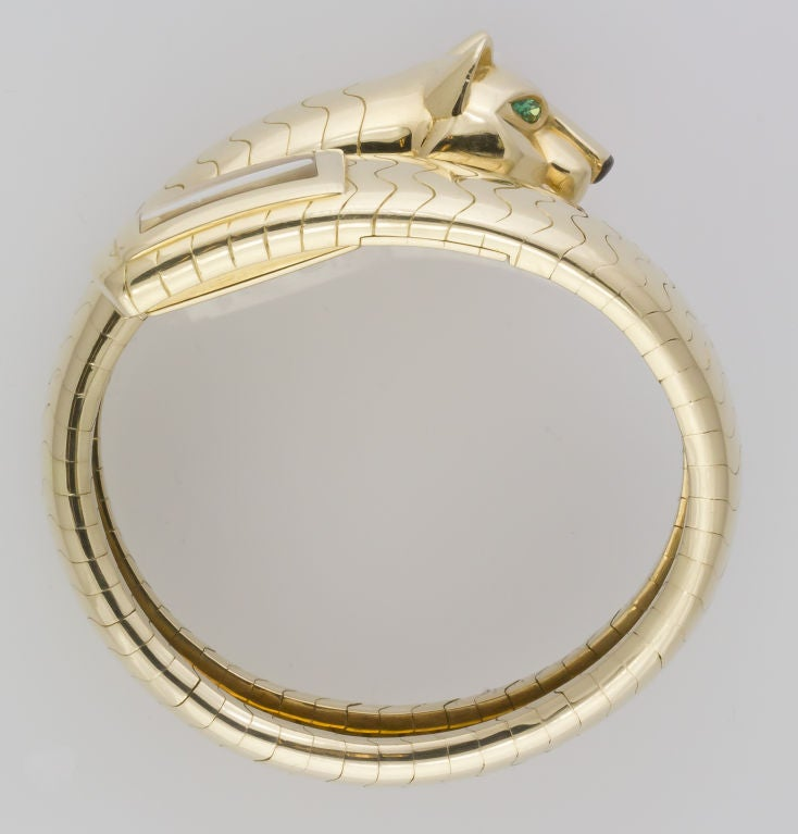 Cartier Lady's Yellow Gold and Emerald Panther Lakarda Flexible Bangle Watch For Sale 2