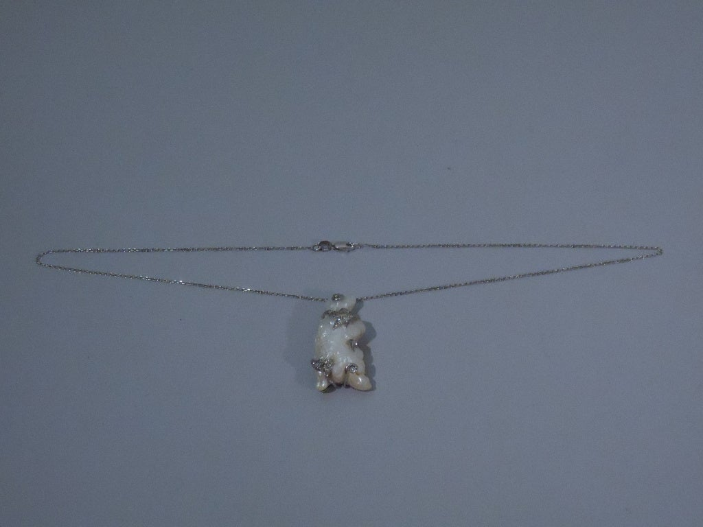 Baroque Pearl Pendant in Form of Bear on 15 Kt Gold Chain For Sale 1