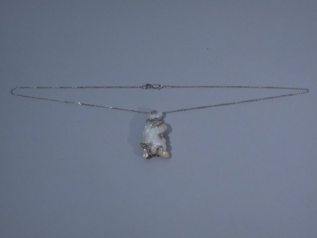 Baroque Pearl Pendant in Form of Bear on 15 Kt Gold Chain For Sale 2