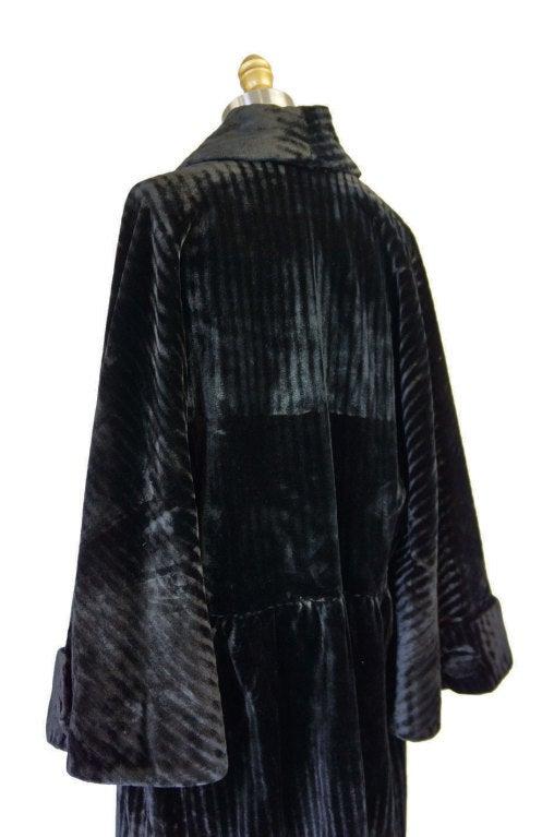 Teens/Early 1920s Velvet Flapper Coat 7
