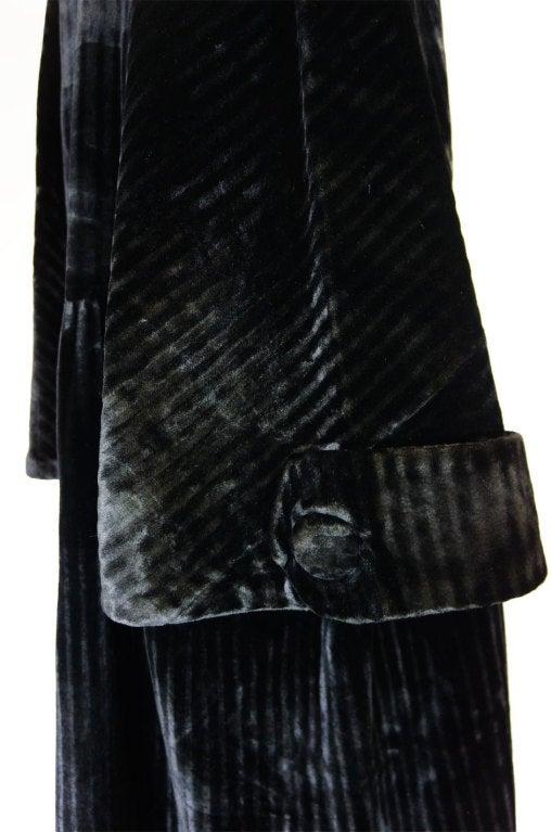 Teens/Early 1920s Velvet Flapper Coat 9