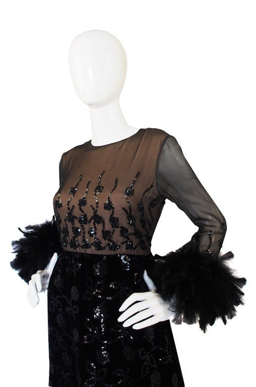 Oscar de la Renta Museum Held Feather and Sequin Dress, 1970s  In Excellent Condition For Sale In Toronto, CA