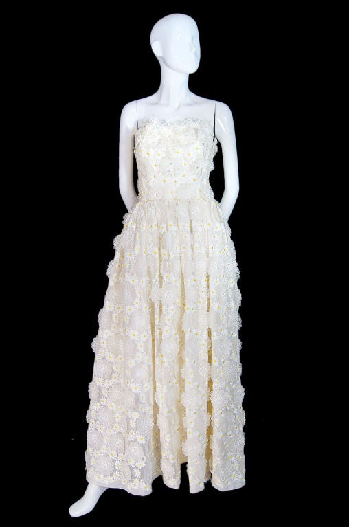 1970s Applique & Embroidery Daisy Gown 3