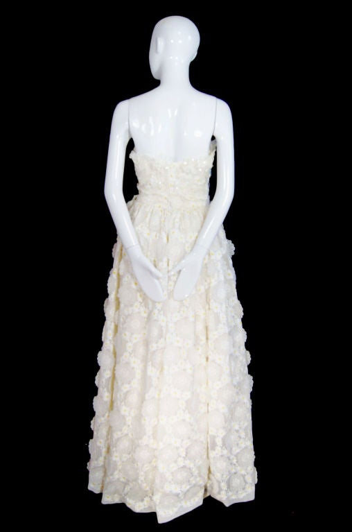 1970s Applique & Embroidery Daisy Gown 4