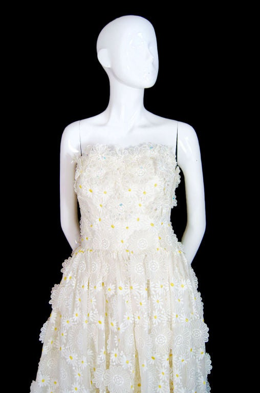 1970s Applique & Embroidery Daisy Gown 5