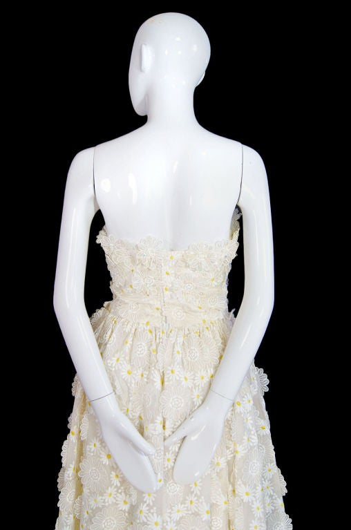 1970s Applique & Embroidery Daisy Gown 7
