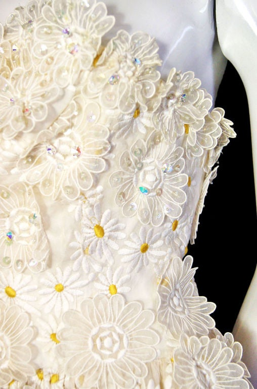 1970s Applique & Embroidery Daisy Gown 8
