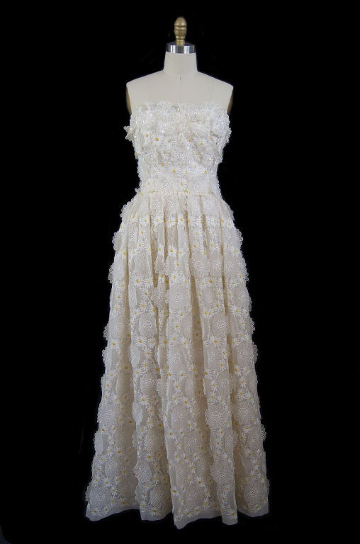1970s Applique & Embroidery Daisy Gown 9