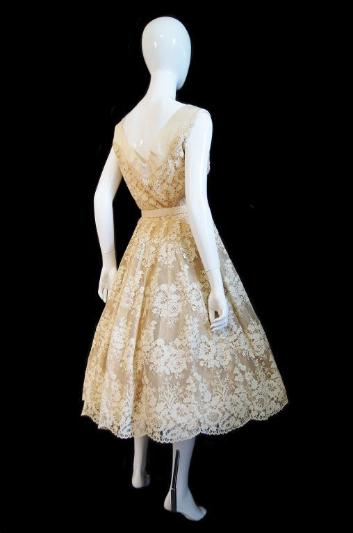 1950s Couture Jaques Fath Lace Dress For Sale 3