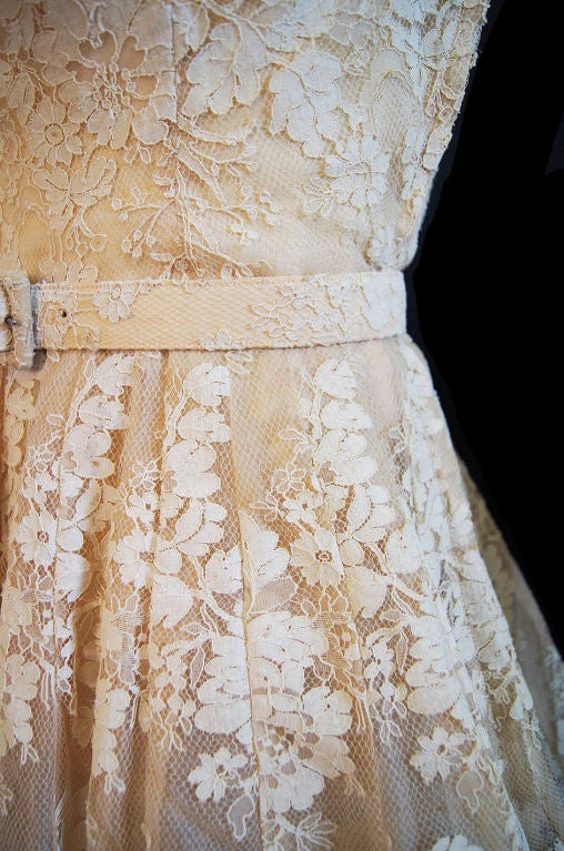 1950s Couture Jaques Fath Lace Dress For Sale 5