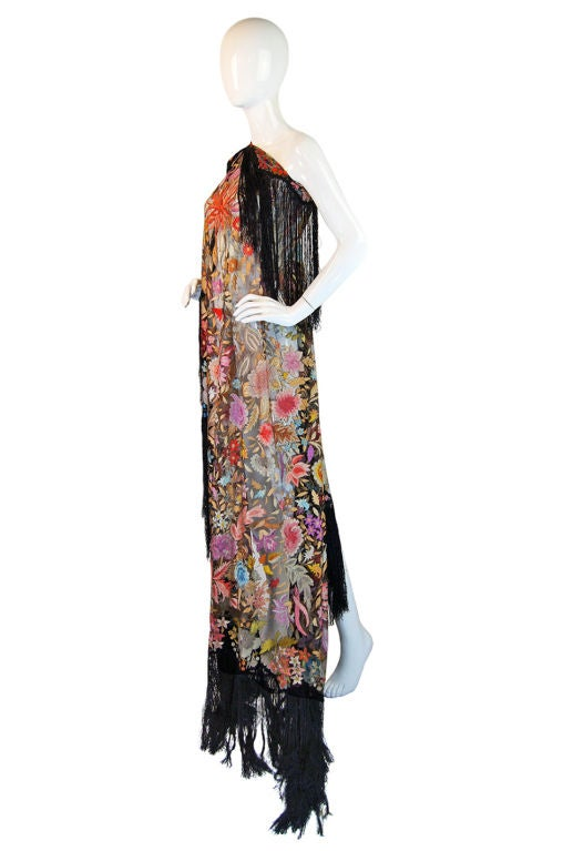 Women's 1920s Spanish Floss Lace Silk Shawl For Sale