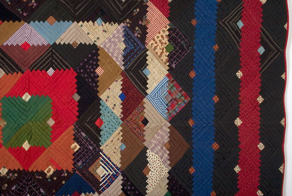 Barnraising Log Cabin Quilt on Square In Excellent Condition For Sale In Darnestown, MD