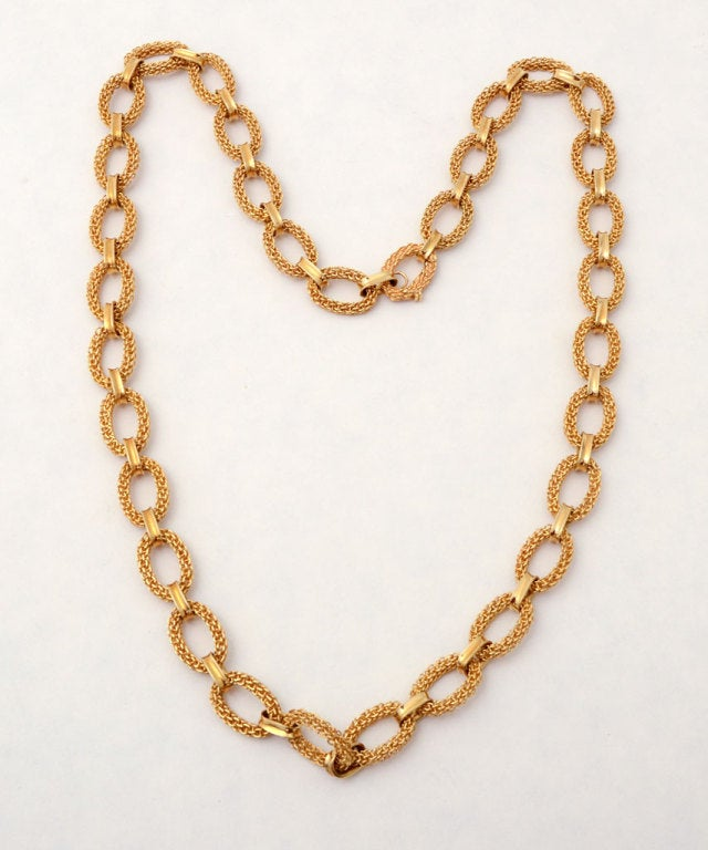 Van Cleef & Arpels Gold Link Necklace 3