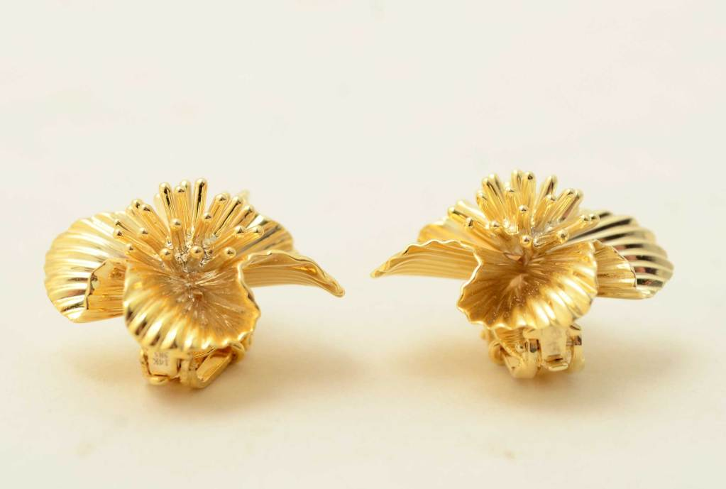 Tiffany & Co. Gold Flower Ear Clips 2