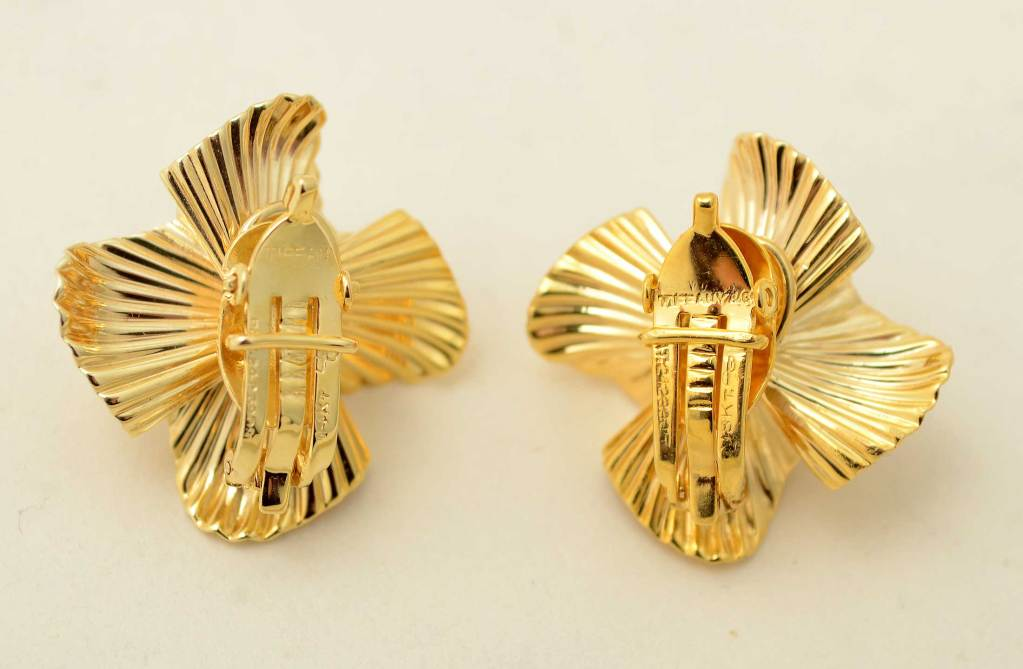 Tiffany & Co. Gold Flower Ear Clips 3