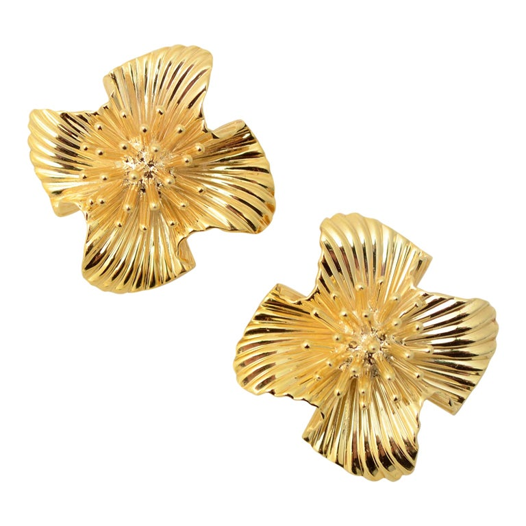 Tiffany & Co. Gold Flower Ear Clips 1