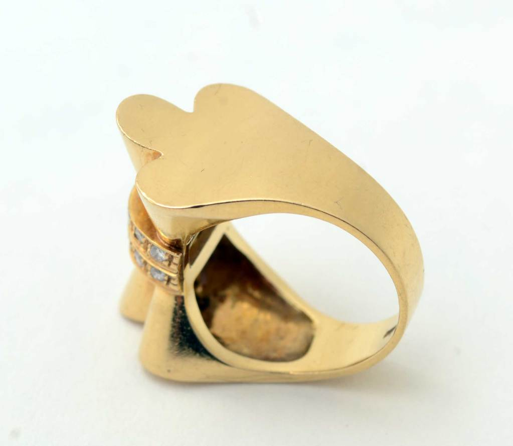Retro Gold and Diamonds Bow Ring In Excellent Condition For Sale In Darnestown, MD