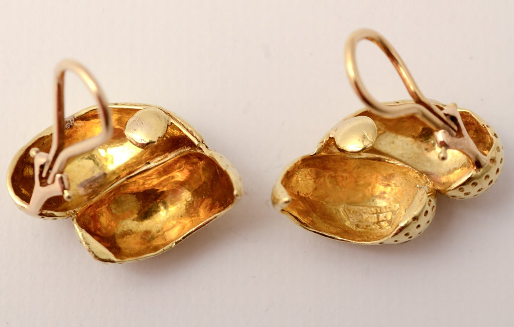 Tiffany Gold Double Lobed Earrings In New Condition For Sale In Darnestown, MD