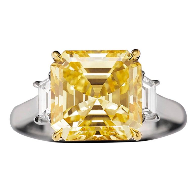 Natural Fancy Vivid Yellow Diamond Ring 1